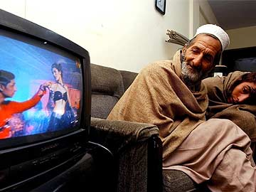Pakistan court stops censor board clearance of 'illegally' imported Indian films