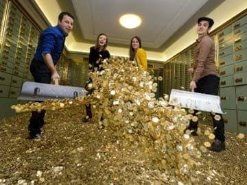Safe deposit vault with coins worth 400,000 Swiss francs goes on sale