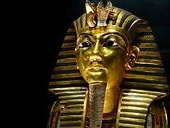 Stolen statue of Tutankhamun's sister recovered in Cairo coffee shop