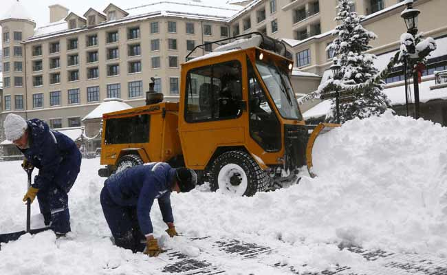 Deadly ice storm in US knocks out power, halts flights