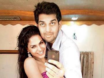 Mumbai: Ex-lover files complaint against Veena Malik for threatening him