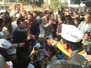 Arvind Kejriwal and his AAP ministers to be sworn in on Saturday