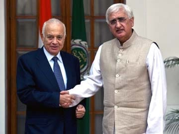 Arab League chief meets Salman Khurshid, two documents inked