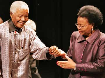 Nelson Mandela and his three wives: Evelyn, Winnie and Graca