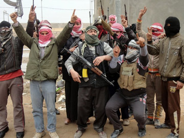 Iraqi air force strikes city to try to oust Al Qaeda