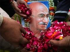 Tribute to Mahatma Gandhi: 108 songs on Bapu in 14 languages
