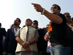 Salman Khan flies kites with Narendra Modi, praises him, but no clear endorsement