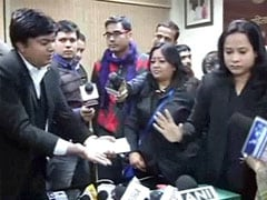 Caught on camera: Somnath Bharti's lawyers, Delhi women's panel chief in shouting match