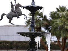 Rare winter storm grips US South, kills at least five people