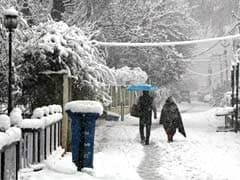 Kashmir Valley cut off for second day after heavy snowfall