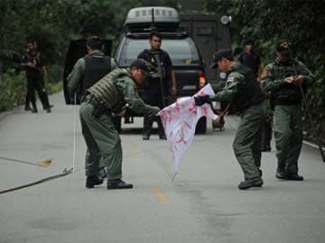 At least 28 hurt in blast at Bangkok opposition march: officials