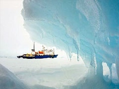 Antarctic helicopter rescue of trapped ship passengers delayed due to sea ice