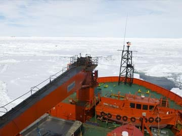 Relief at Antarctic rescue turns to fear for Chinese ship