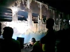 Nine killed as Bandra-Dehradun Express catches fire in Thane, Maharashtra