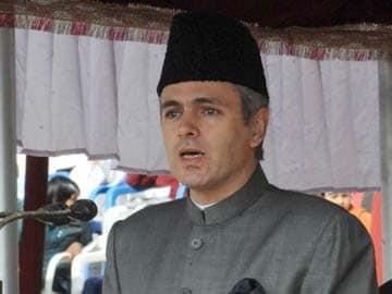 Srinagar: Man dies during snow clearance operation, Omar Abdullah condoles death