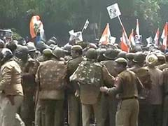 Congress' tit for tat protest at Rajnath Singh's residence