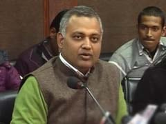 Congress workers' protest to demand Delhi Law Minister Somnath Bharti's arrest for midnight raid