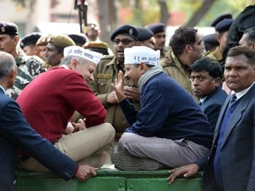 Heading for a showdown, Arvind Kejriwal's government to table Jan Lokpal Bill today