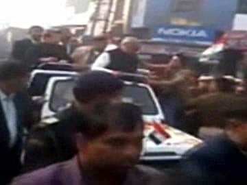 Haryana Chief Minister Bhupinder Singh Hooda slapped at road show