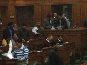 Arvind Kejriwal introduces anti-graft Jan Lokpal Bill in Delhi assembly amid chaos