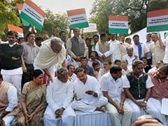 Seemandhra MPs force Centre to revisit Telangana Bill