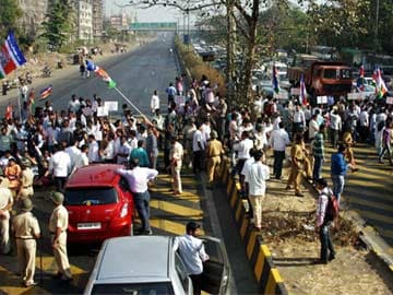 MNS agitation against toll tax has limited impact; chief Raj Thackeray released after being detained briefly