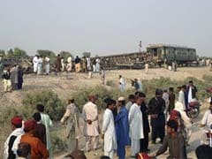 Bomb derails train in southwest Pakistan, kills eight