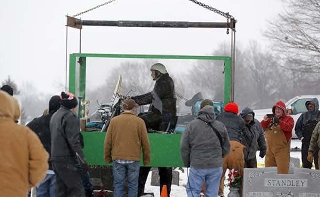 US man buried astride beloved Harley motorcycle