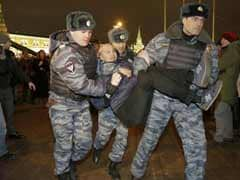 Russia police detain hundreds protesting against jailing of activists