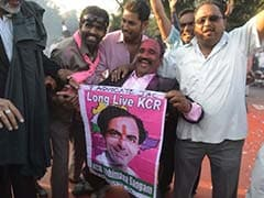 K Chandrasekhar Rao arrives in Hyderabad to a hero's welcome