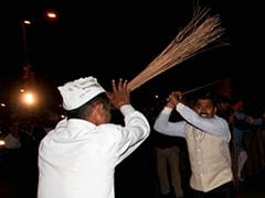 After violence, Arvind Kejriwal urges party workers to stay calm