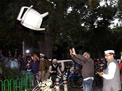 AAP leaders Ashutosh, Shazia Ilmi booked for rioting after clashes with BJP