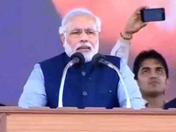Will not let my country bow down: Narendra Modi at Lucknow rally
