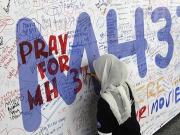 Possible debris off Australia a 'credible lead' for missing Malaysia Airlines jet