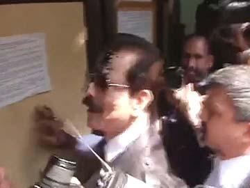 Supreme Court accepts Sahara boss Subrata Roy's unconditional apology
