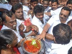 Mingle with Alagiri at your own risk, DMK warns workers