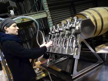 Gin, rum, bourbon flow in New York distillery revival
