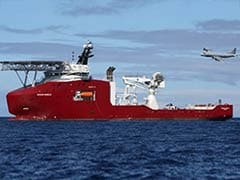 New signal spurs search for missing MH370 black boxes