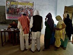 10 per cent voting in early hours in Maharashtra