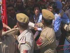Jammu and Kashmir minister slaps heckler at Omar Abdullah rally