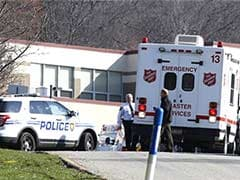 20 hurt in mass stabbing at US high school