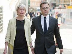 Andy Coulson tells UK hacking trial Brooks fling was 'wrong'