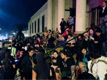 Chile evacuates coast as 8.2 earthquake sparks tsunami