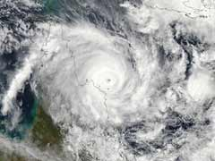 Cyclone batters Australia's Great Barrier Reef coast
