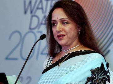 BJP's Hema Malini in trouble for addressing people in temple
