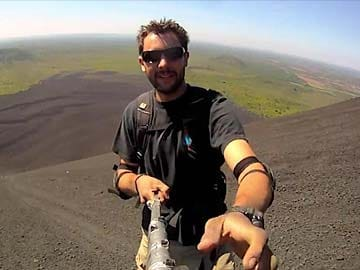 The Epic 360 Degrees Selfie That's Taking the Internet By Storm
