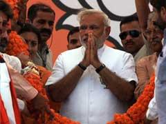 In Early Morning Tweet, Narendra Modi Uses Caste Card to Attack Priyanka Gandhi Vadra