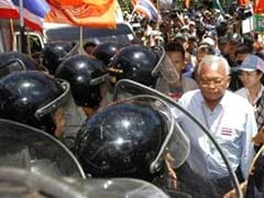 Protesters Force Thai PM to Flee Meeting After Three Killed in Bangkok