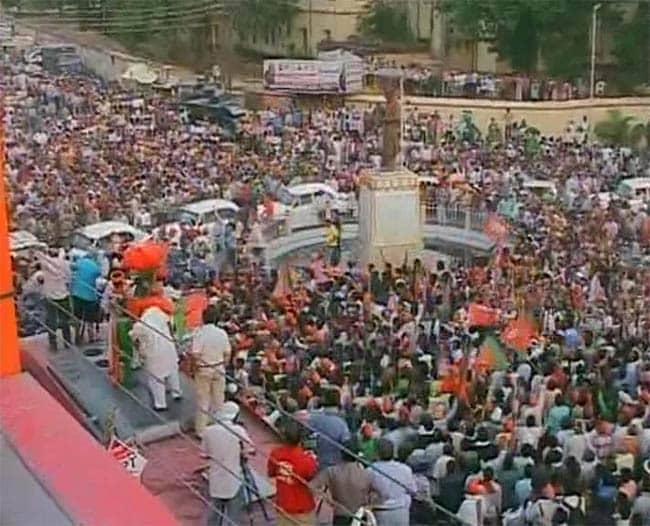 Narendra Modi Roadshow in Varanasi Draws Huge Crowds