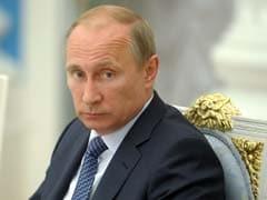 Vladimir Putin Watches Hockey as Tycoon Declares Ukraine Vote Win